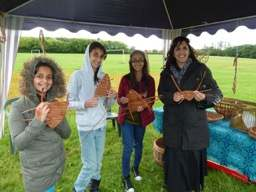 Cllr Yasmin Dar & girls with willow weaving