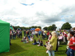 image of crowds at Broadhurst Festival